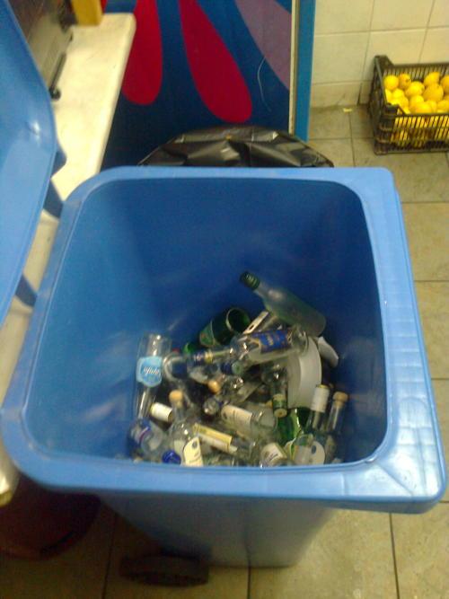 ανακύκλωση γυαλιού στη Χώρα της Άνδρρου vanglouk androsfilm (3)_1
