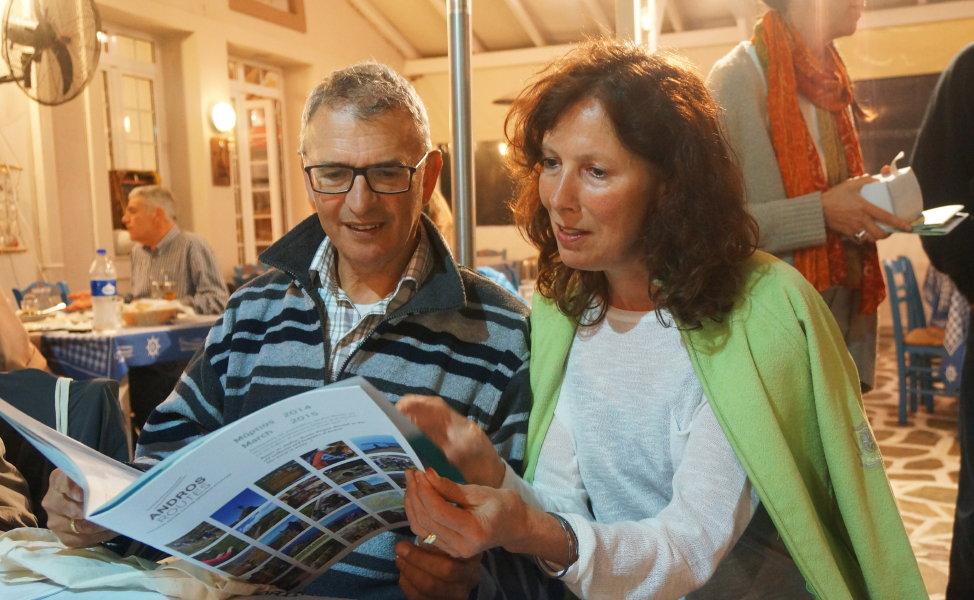 ολλανδοί καθαριζουν εθελοντικά μονοπατια της Άνδρου 1 Απριλιου 2016 vanglouk androsfilm (3)