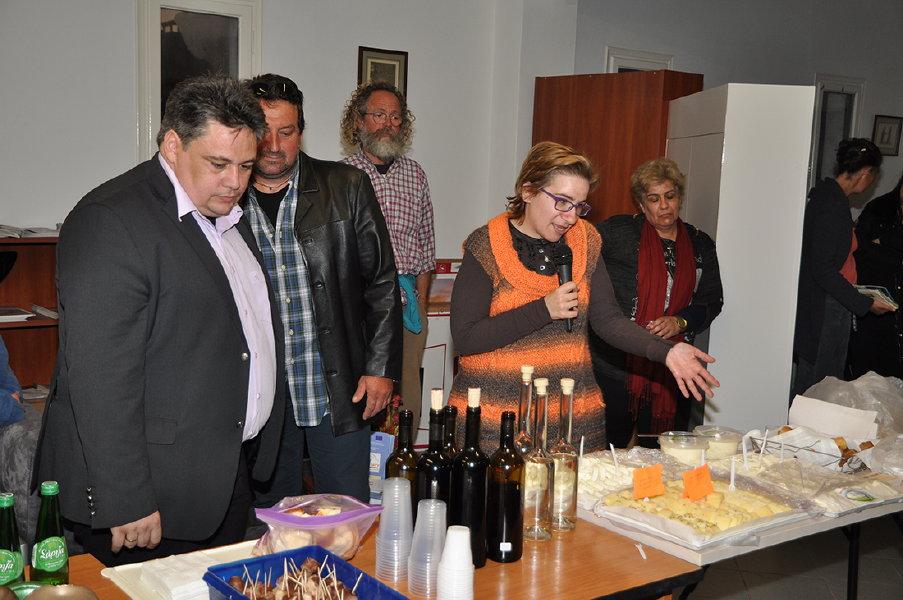 συναντηση παραγωγων τοπικων προϊόντων στο επιμελιτήριο Κυκλάδων 30 martioy 2016 ωανγλοθκ ανδροσφιλμ (14)
