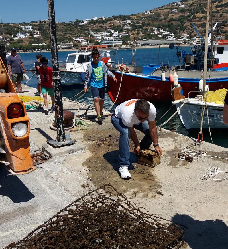 καθαρισμός βυθου λιμανιού Μπατσίου 12 Ιουνιου 2016 vanglouk androsfilm (2)_1