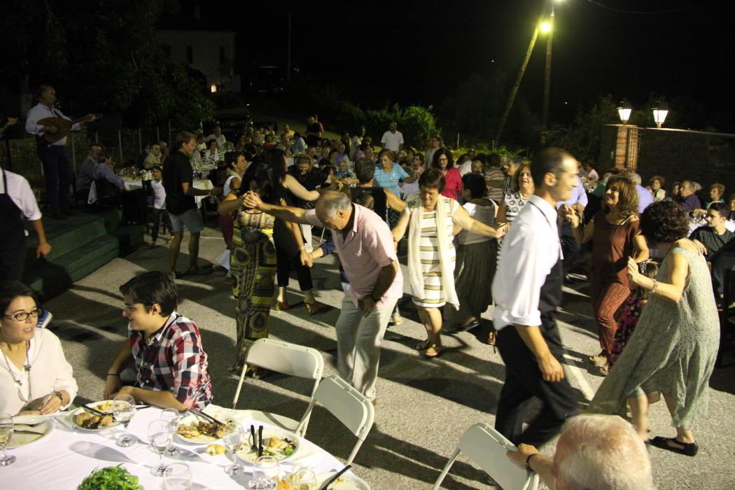 Ο χορός του Φιλανθρωπικού Συλλόγου Αποικίων 17 Ιουλίου 2016 vanglouk androsfilm (3)