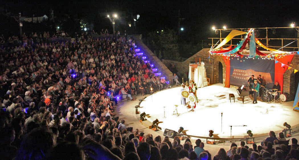 θεατρικος όμιλος Άνδρου το μεγάλο μας τσίρκο 29 ιουλίου 2016 androsfilm vanglouk (1)