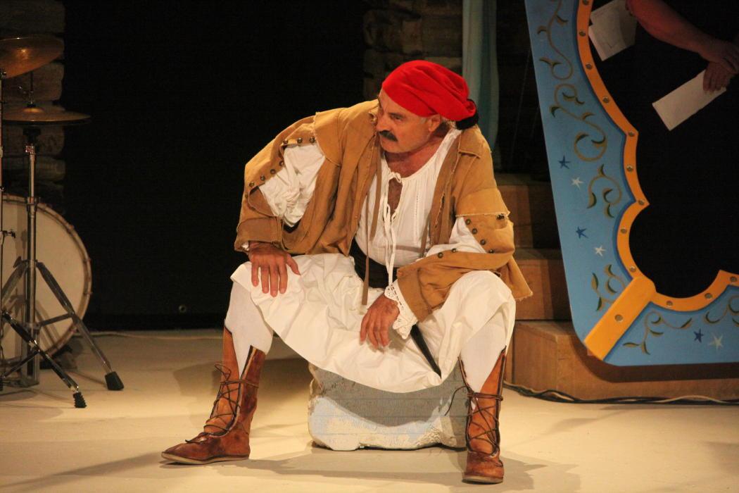 θεατρικος όμιλος Άνδρου το μεγάλο μας τσίρκο 29 ιουλίου 2016 androsfilm vanglouk (11)