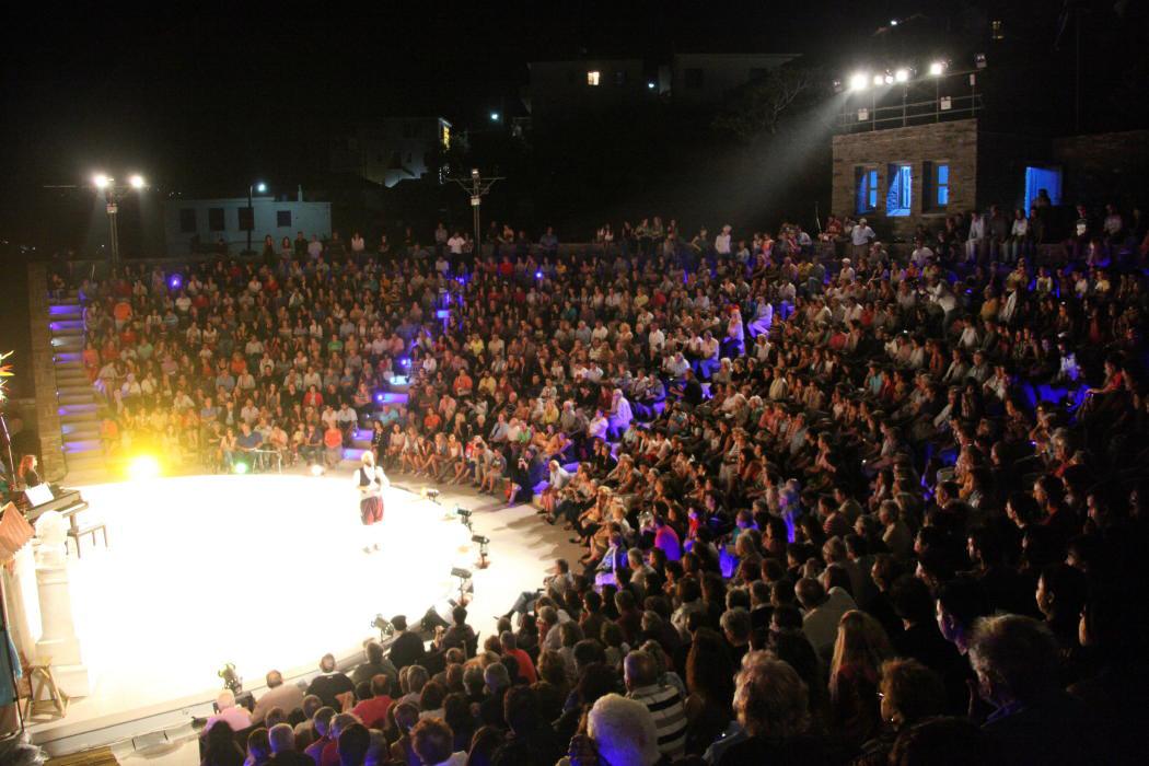 θεατρικος όμιλος Άνδρου το μεγάλο μας τσίρκο 29 ιουλίου 2016 androsfilm vanglouk (34)