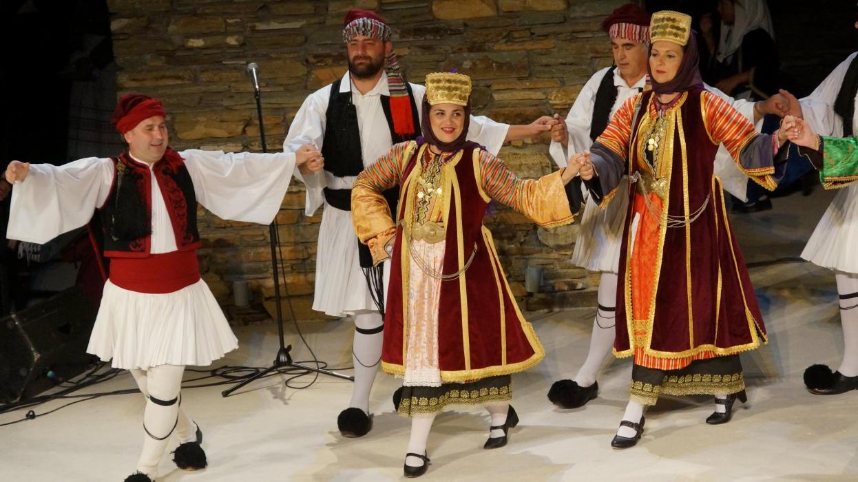 18ο Φεστιβάλ παραδοσιακών χορών Συλλόγου Γυναικών Άνδρου  9 ιουλιου 2016 androsfilm vanglouk  (5) - Αντίγραφο
