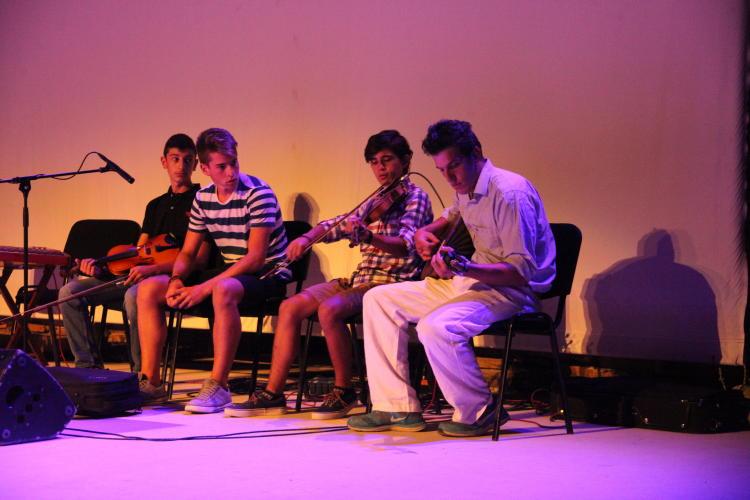 ιδρυμα μωραΐτη μαθηματα παραδοσιακής μουσικής 28 Αυγ 2016 vanglouk androsfilm (12)