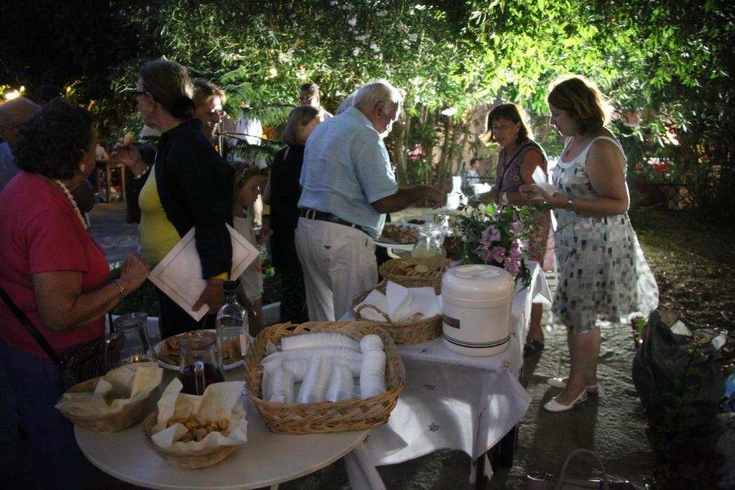παρουσίαση περιοδικού Εύανδρος στο κήπο της Παναγίας 20 αυγ 2016 vanglouk androsfilm (a) (1)
